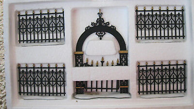 Dept 56 HERITAGE V - DICKENS - CHRISTMAS IN THE CITY VICTORIAN FENCE GATE 5 PC