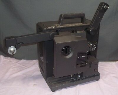 Vintage BELL & HOWELL 2585 16 MM FILMSOUND Movie Projector