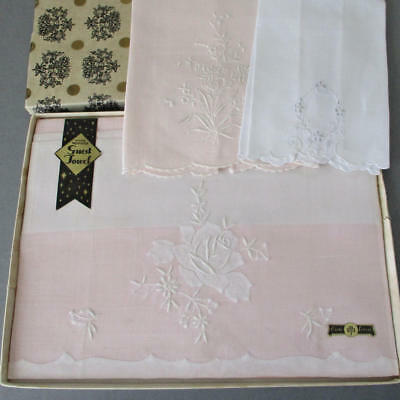 3 Vintage MADEIRA Linen Hand Embroidered Appliqued TOWELS Flowers * PINK & White