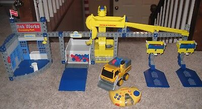 Rokenbok Construction & Action Set Complete Starter Set with Star Control Loader