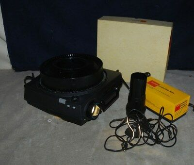 Kodak Carousel 650H 35mm Slide Projector w/Carousel, Box, Remote - EXTRA LENS
