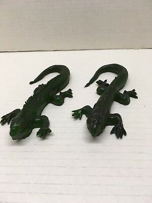 2 New Latex Rubber Green Lizards  8 Inches Nose To Tail Halloween Creepy Lot