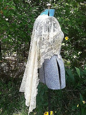"""Vintage 1900's 1910 Antique Edwardian Lace and Beaded Jacket B 32"""" when touching"""