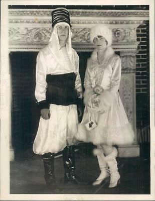 1930 Press Photo Costumed Party Goers - ner1783