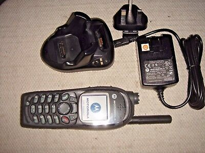 MOTOROLA MTH800 (with new housing) UHF TETRA HANDPORTABLE WITH CHARGER & STAND