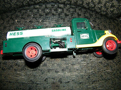 1982 Hess Truck Bank Red Switch