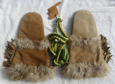 Canada First Nations Inuit Gauntlet Gloves