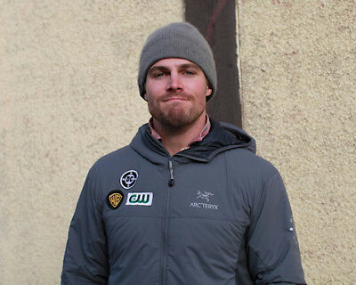 photo 8x10 - STEPHEN AMELL #0144-160430