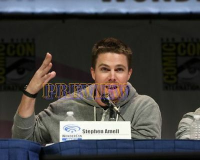 photo 8x10 - STEPHEN AMELL #0207-160422