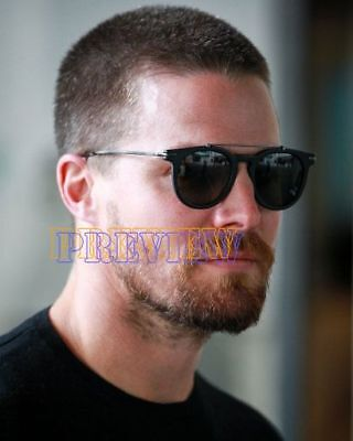 photo 8x10 - STEPHEN AMELL #0555-160529