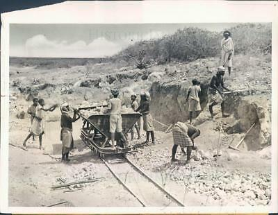 1938 Press Photo Addis Ababa Africa Highway Construction - ner48053