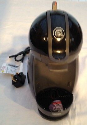 NESCAFÉ Dolce Gusto by De'Longhi EDG200.B Coffee/Beverage Maker Hot & Cold Water