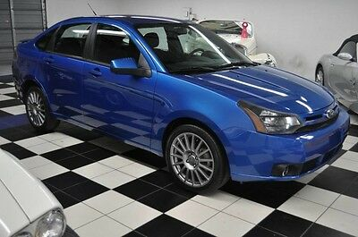 "2011 Ford Focus SES -  ELECTRIC BLUE - 17"" DOUBLE SPOKE RIMS 2011 FORD SES - LOW MILES - LIKE NEW!!"
