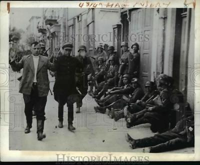 1941 Press Photo Russian Civilian Snipers Captured by Germans in Unnamed Town