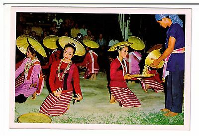 Postcard: Attractive dancing girls in Chiengmai, North Thailand