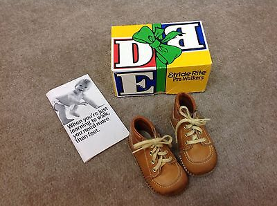 Vintage Stride Rite Pre-Walker brown lace up Baby Shoes w Box 3 1/2D & orig book