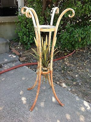 VINTAGE garden SHABBY TOLEWARE SIDE TABLE PLANT STAND WROUGHT IRON TOLE leaf