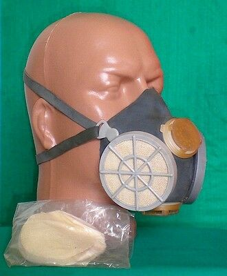 Bulgarian Army GAS MASK RESPIRATOR MR-70