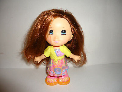Fisher Price Snap 'N Style Brown Hair Girl with Outfit Accessories