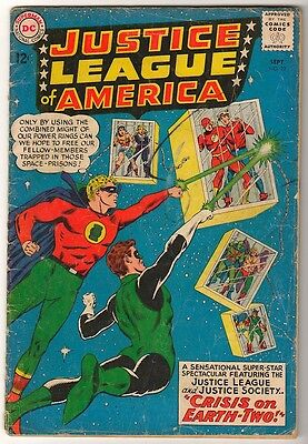 DC Comics VG- JUSTICE LEAGUE AMERICA  #22 CRISIS ON EARTH 1