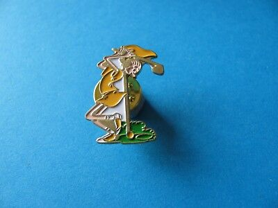 Vintage Olive Oil Playing Golf Popeye Character pin badge. VGC.