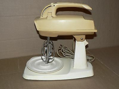 Read Working used vintage SUNBEAM mixer Model EM with beaters