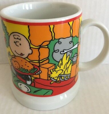 Peanuts Snoopy Charlie Brown Lucy 1982 Merry Christmas United Feature Mug Cup