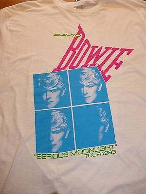 """Cool David Bowie """"Serious Moonlight Tour"""" 1983  2-sided tee shirt size Large"""