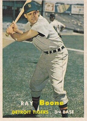 Topps 1957 #102 Ray Boone-Detroit Tigers