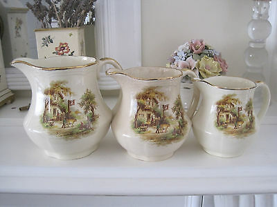 Set Of Three Vintage Alfred Meakin White Horse Inn Graduating Jugs