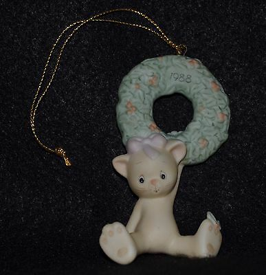 """Precious Moments """"hang On For The Holly Days"""" Ornament 520292"""