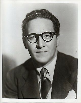 46569. Orig ca 1945 CBS Radio Journalist & Show Host Kenny Delmar