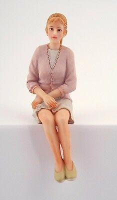 1/12Th Scale Dolls House Modern Woman Sitting Resin Figure
