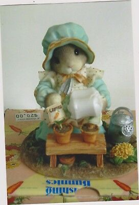 1996 My Blushing Bunnies-Love Grows With Box
