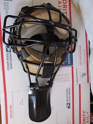 Vintage Umpire Mask & Neck Protector Catcher Tiawan   Lot # 7