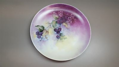 Vintage PAINTED PLATE Grapes on a Vine PURPLE Signed by Artist: Marilyn