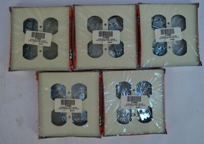 Lot of 5 NEW Wiremold Double Gang Outlet Plates Ivory V4046B-2