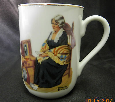 1982 Norman Rockwell Mug Memories Woman Chair Chest Trunk Fine China Vintage