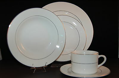 Tienshan Classic Gold 5 Piece Place Setting