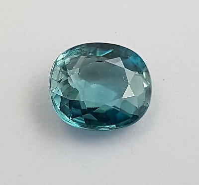 Echter blauer Zirkon in Spezifikationsbox ( 3,91 Carat ) 9,5 x 8,5 x 4,1 mm