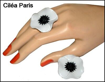 French Signed Cilea White And Black Resin Anemone Flower Ring Pin