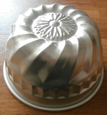 Dome Jelly Mould - Vintage Aluminium - Medium Size - Look!
