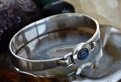 Lovely Modern 925 Sterling Solid Silver Blue Moonstone Stone Front Fasten Bangle