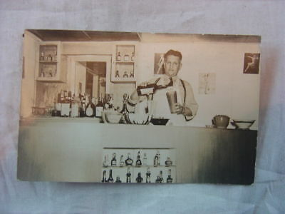 Vintage 1943 Photo Postcard Bartender Mixing Cocktails Drinks Flushing NY 811