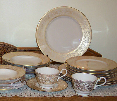 Franciscan Renaissance Gold 28 pce dinnerware set, service for 4