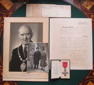 Signed King George VI Queen Mary MBE Royal Document Medal Photo Letters 1951