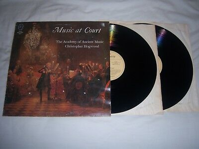 FOLIO SOCIETY FS1001/2  MUSIC AT COURT - AoAM/HOGWOOD PAUL ELLIOTT EX