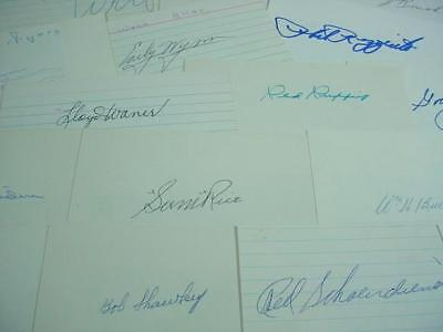 NobleSpirit NO RESERVE {3970} 16x MLB Players Autographs on Index Cards