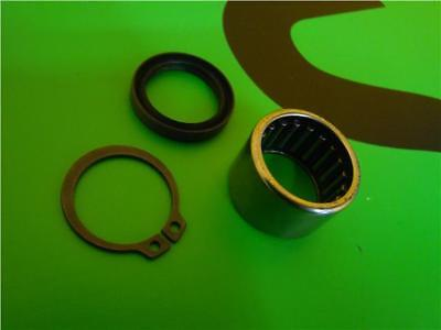 Vespa Px 125 200 Front Hub Needle Roller Bearing And Clip And Seal