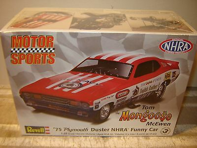 NEW REVELL 1975 MONGOOSE DUSTER NHRA FUNNY CAR 85-4289 1/25 Scale